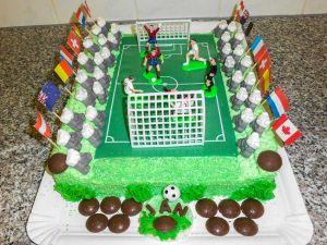 "Motiv-Torte ""Fußballfeld"" (Bild 1)"